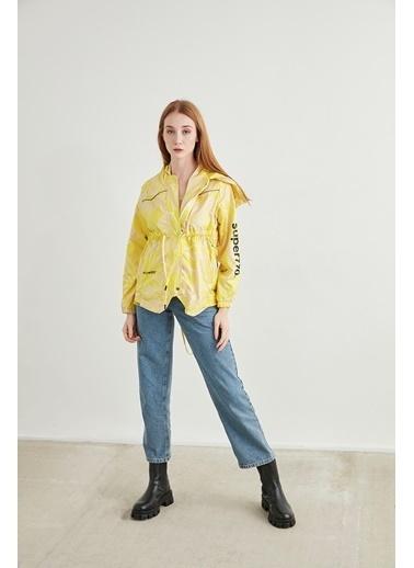 Lily Pure Yeşil Baskılı Kapüşonlu Yağmurluk Sarı